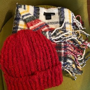Steve Madden Hat and Scarf Set